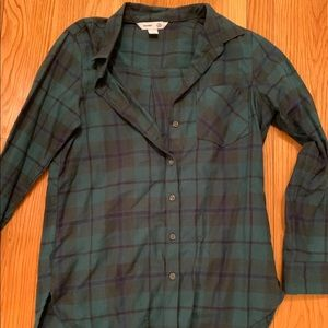 Old navy hunter green button down plaid